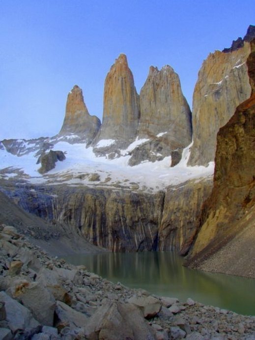 ����� ������ ��������� 1734372-The-Torres-del-Paine-in-southern-Chile-2.jpg